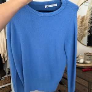 Zara sweater (NEW)